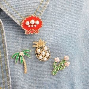 Accessories - 💗 [Boutique] Red Shell Enamel Pearl Pin